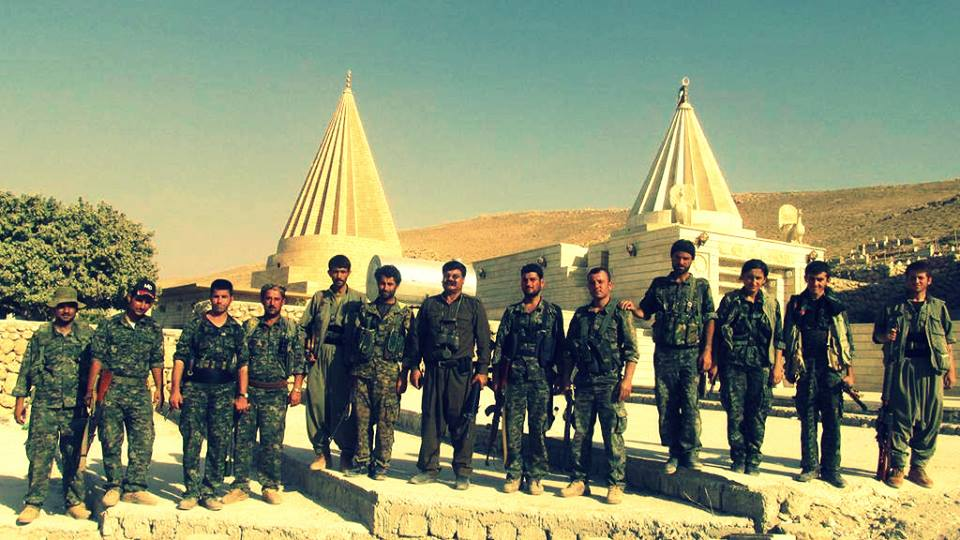 YPG and HPG fighters at the Ezidi pilgrimage of Sherfedin Shingal