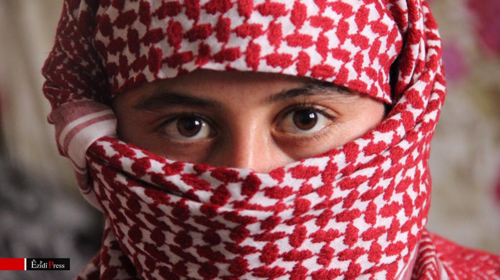 Ezidi girl, who escaped from ISIS captivity