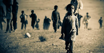 Ezidi refugee girl on the flee from ISIS terror militia in Shingal