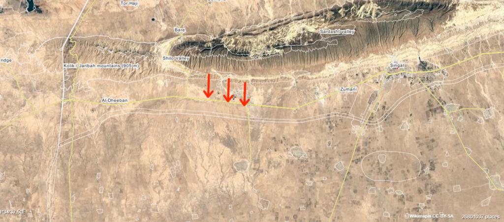 """In den mit Pfeilen markierten Bereichen läuft die Operation """"Rache der yezidischen Frauen"""" gegen den IS (Wikimapia)"""