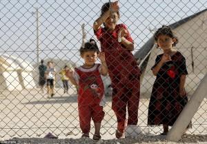 Enfants yezidis réfugiés dans un camp de réfugiés à Midyat (Reuters)
