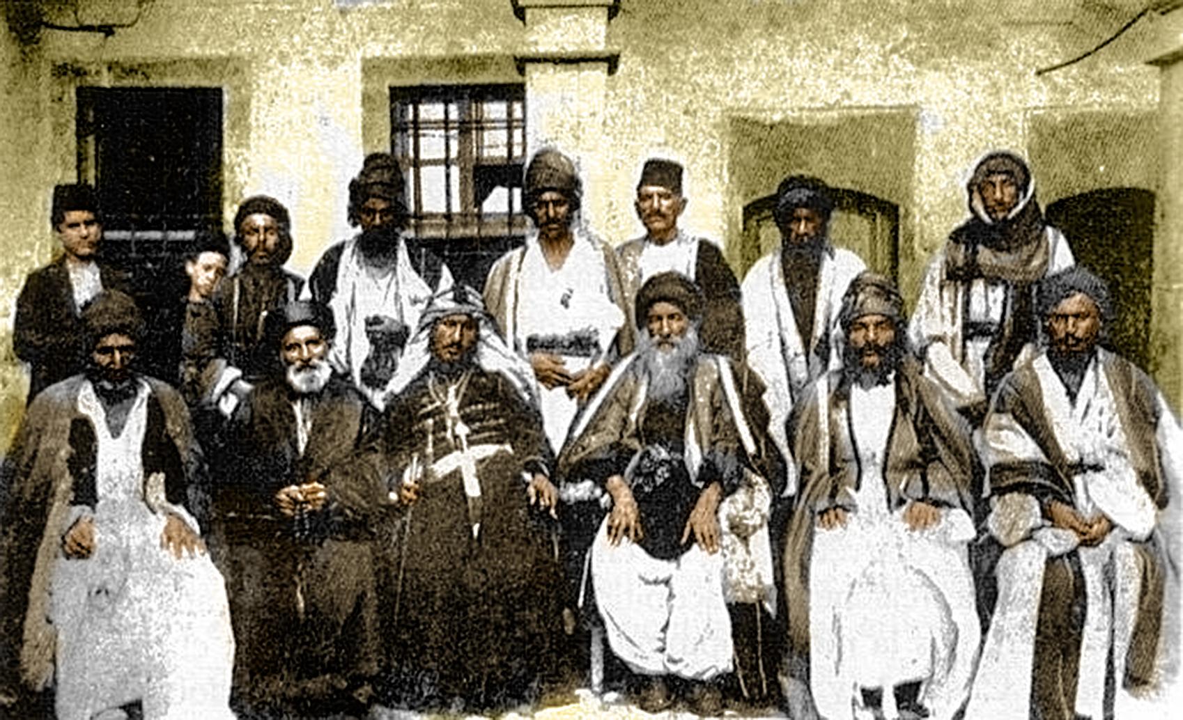 Treffen êzîdîscher und chaldäischer Kleriker Ende des 19./Anfang 20. Jahrhunderts in Ninawa