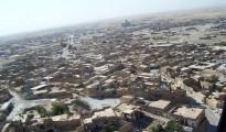 Blick auf Shingal-Stadt, die seit Monaten schwer umkämpft wird.