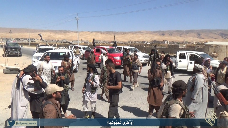 IS-Terroristen in Shingal, kurz nachdem sie die Region überrannten