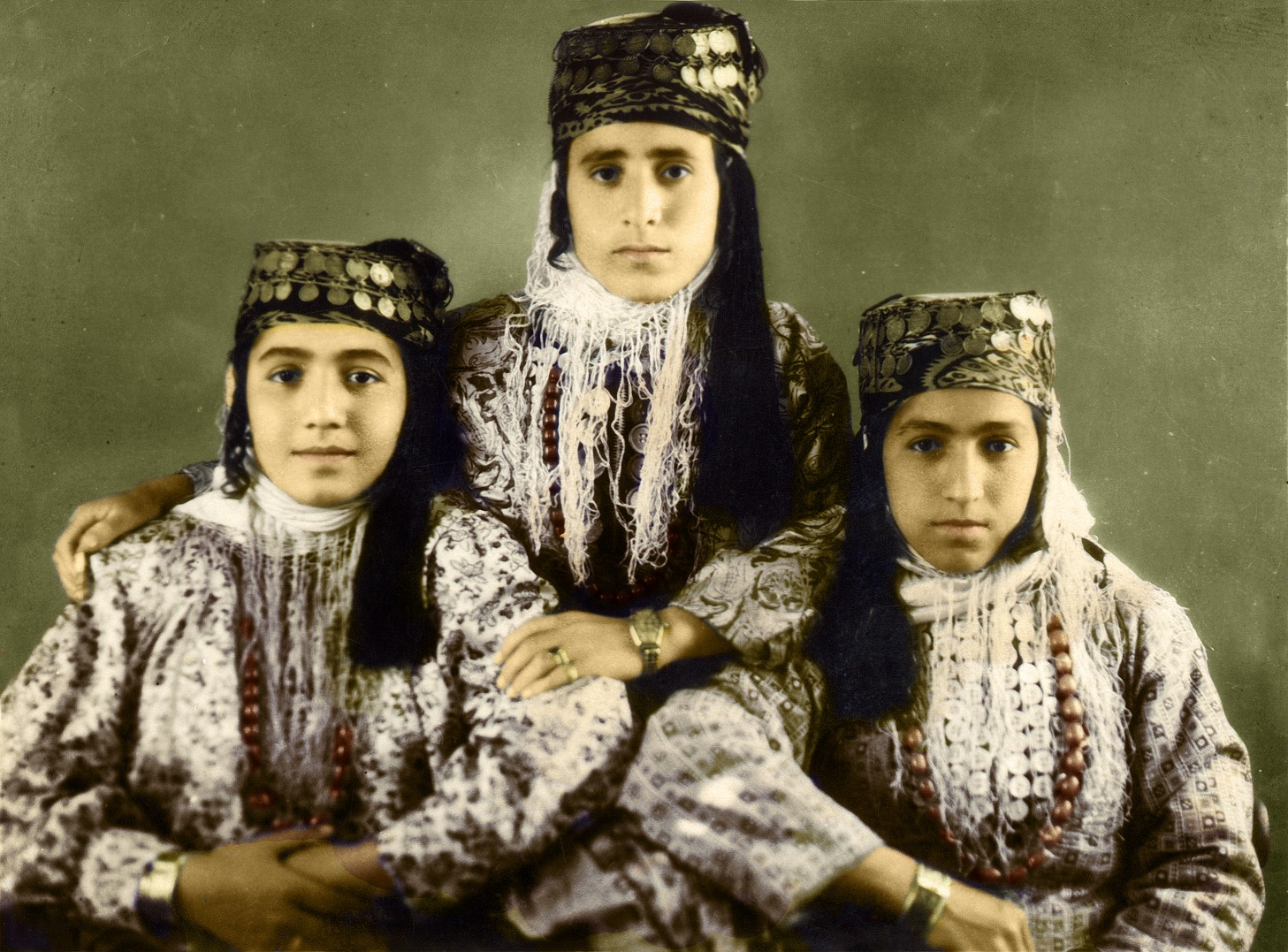 Êzîdîsche Frau und Mädchen in den 1950er Jahren in Georgien