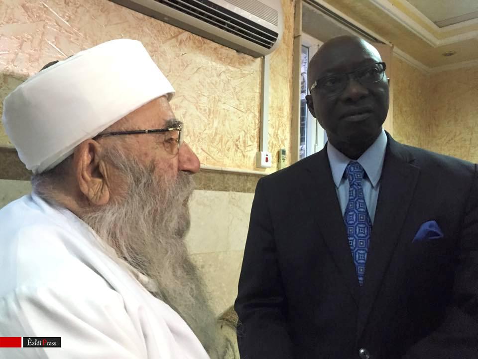 Religiöses Oberhaupt der Êzîden Bave Sheik Kheto (li.) und UN-Sonderberater Adam Dieng in Lalish