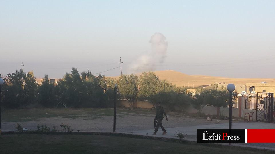 Einschlag einer Mörsergranate der IS-Terroristen, wenige Meter von der Pilgerstätte Sherfedîn entfernt (24. Okt. 2014)