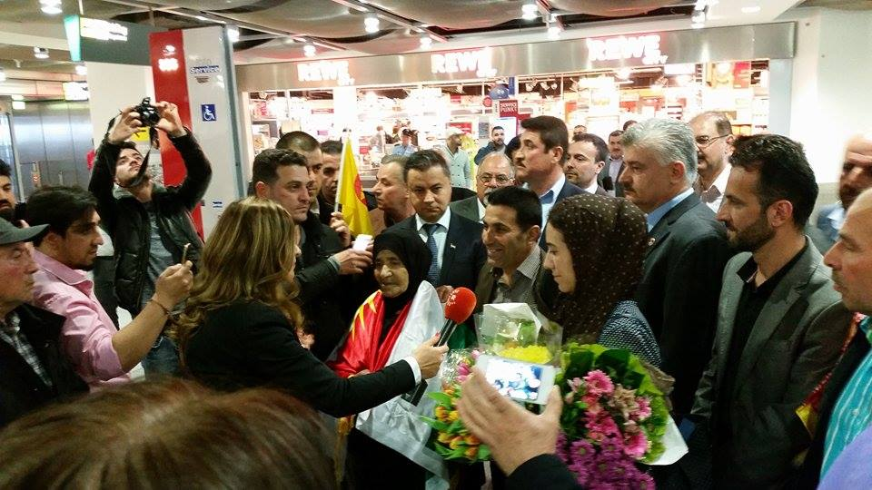 Ankunft von Diliar und der Mutter gefallener Peshmerga in Düsseldorf