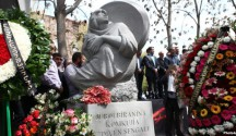 Ein Genzid-Denkmal erinnert an den Völkermord der IS-Terrormilz an der êzîdîschen Bevölkerung in Shingal