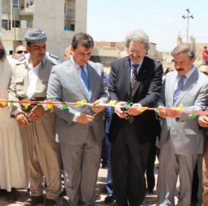 Offizielle Eröffnung des Waisenhauses in Sheikhan mit Dr. Gerhard Noeske (mitte)