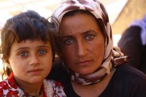 Êzîdîsche Mutter mit Tochter