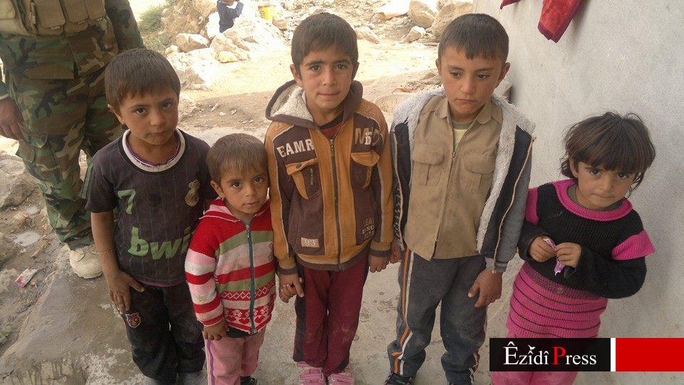 Kinder an der Pilgerstätte Sherfedin (23. Okt. 2014)
