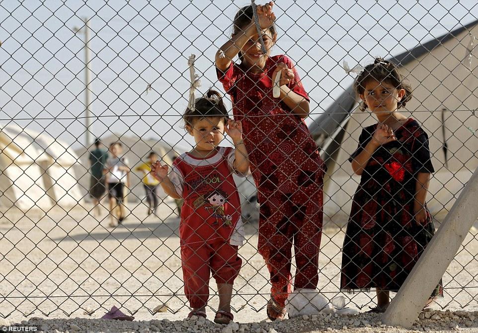 Êzîdîsche Flüchtlingskinder in der Türkei erwarten den US-Superstar (Reuters)