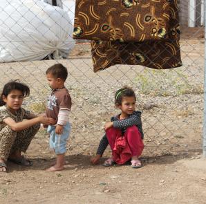 Êzîdîsche Flüchtlingskinder aus Shingal im Flüchtlingslager von Esiya (Archiv)