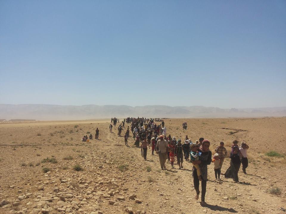 Êzîden auf der Flucht vor IS-Angriffen