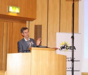Prof. Dr. Kreyenbroek auf der GEA Konferenz | privat