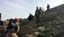 Kämpfer der Verteidigungseinheit Shingals (HPŞ) an der Pilgerstätte Sherfedîn