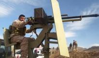 Kämpfer der Verteidigungseinheit Shingals (HPŞ) an der Front
