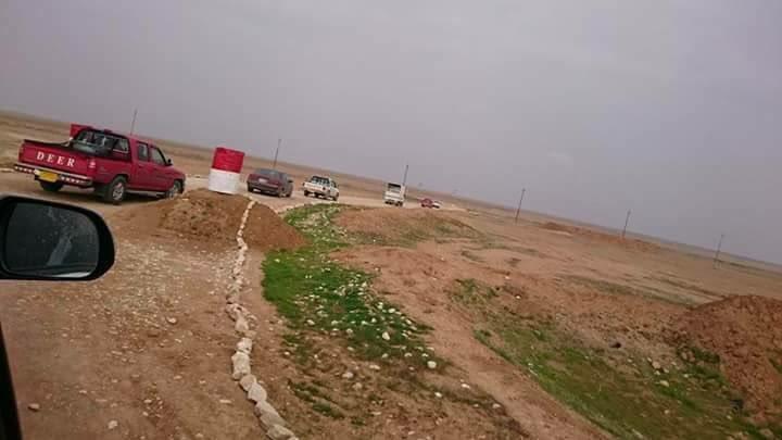 Êzîdîsche Zivilisten aus Khanasor auf der Flucht vor Gefechten zwischen Êzîden und Peshmerga (03. Februar 2017/Saad Babir)