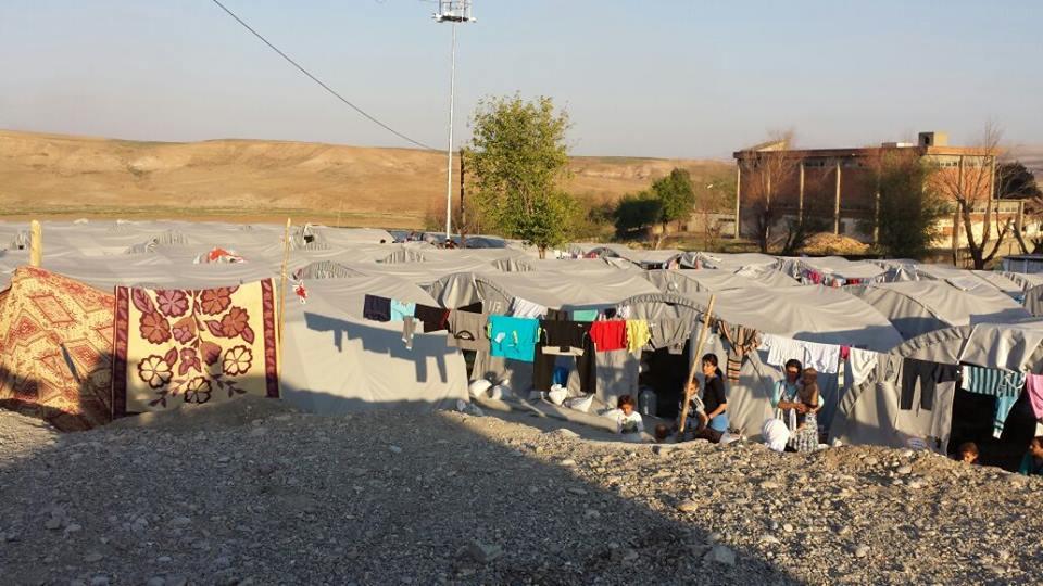In diesem Flüchtlingscamp in Bisiri hat das Jugendkomitee Emmerich Hygieneartikel, Babynahrung, Windeln sowie Spielzeug für die Kinder gekauft und verteilt | privat