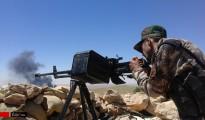 Kämpfer der HPÊ während Gefechten mit IS-Terroristen in Solakh im Westen Shingals (Archivbild)