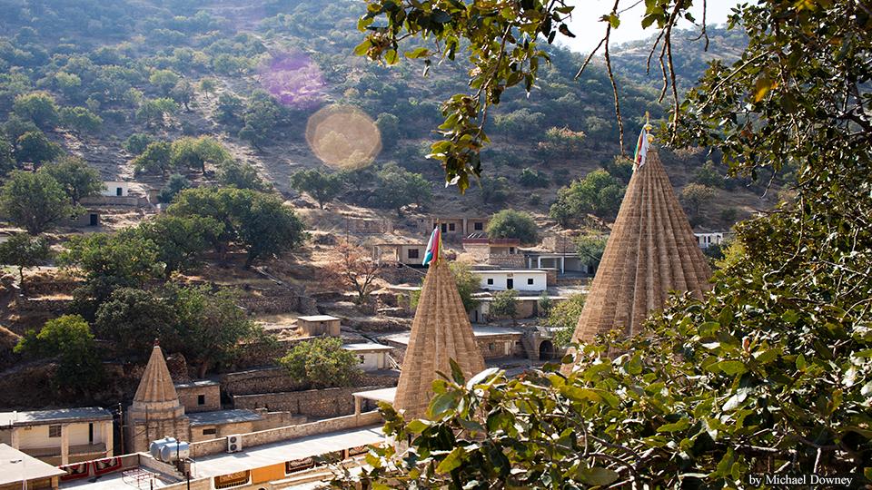 Lalisch, das zentrale Heiligtum der êzîdîschen Gemeinschaft. Vor 600 Jahren, im Jahr 1415, wurde Lalish zum Schauplatz eines blutigen Massakers