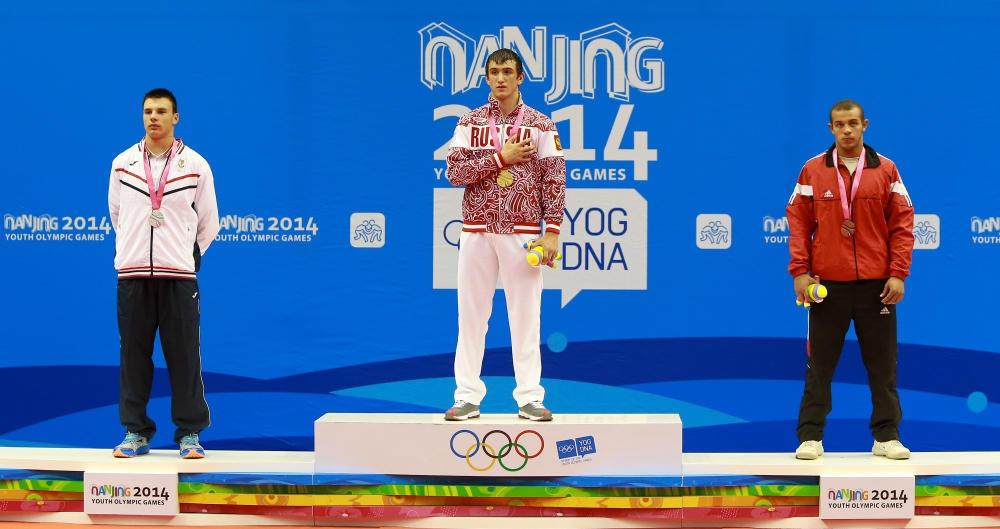 Mark Bemalyan während der Siegerehrung bei den Olympischen Jugendspielen 2014 in China