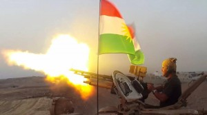 Peshmerga Soldat im Einsatz an der Front gegen den IS