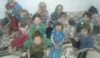 Nach zwei Jahren konnten diese zwölf Êzîden in Syrien aus der IS-Gefangenschaft befreit werden (ANHA)