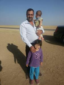 Frei nach 412 Tagen: zwei êzîdîsche Kinder, die am Freitag aus der Gefangenschaft der Terrormiliz IS befreit wurden (S.D)
