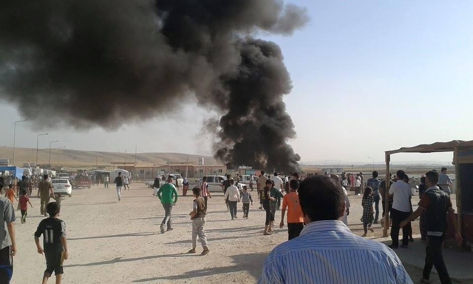 Dichter Rauch über dem Flüchtlingslager in Sharia (03.08.2016)