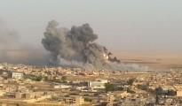 Luftschläge der internationeln Anti-IS-Koalition gegen Stellungen der Terrormiliz IS in Shingal-Stadt (Archivbild)