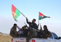 Kämpfer der YBŞ und Kämpferinnen der YJÊ in Shingal (flickr)