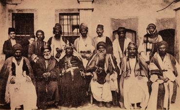 Treffen von Îsmaîl Tschol Beg und Hemoyê Shero mit christlich-chaldäischen Klerikern