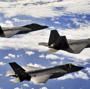 US-Kampfjets vom Typ F-22 Raptors (DOD)