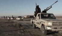 IS Terroristen; schier unaufhaltsam überrollen sie den Irak und Syrien.