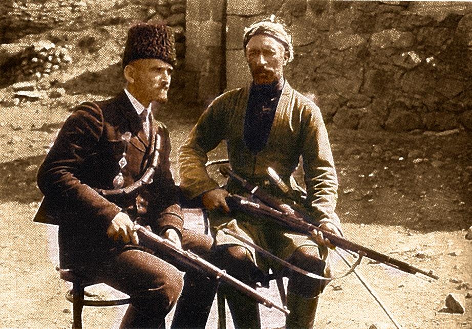 A. Kalantar & Ûsif Beg (re.) im Jahr 1912