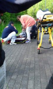 Sanitäter kümmerten sich um verletzte Êzîden in Bielefeld